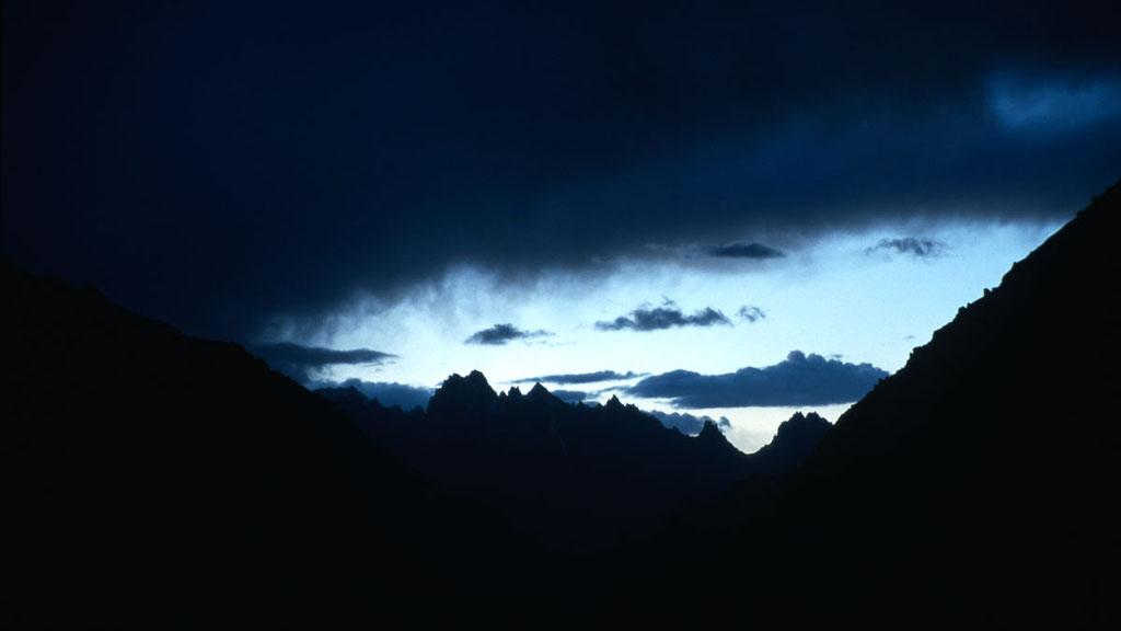 Gewitterstimmung über den Bergen von Ladakh