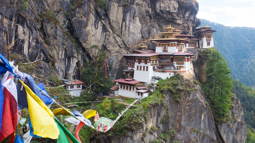 Thaktshang - Tigernest-Kloster im Tal von Paro in Bhutan
