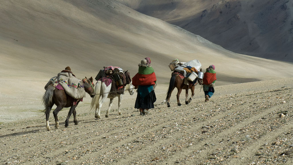 Nomadenfrauen in Kharnak
