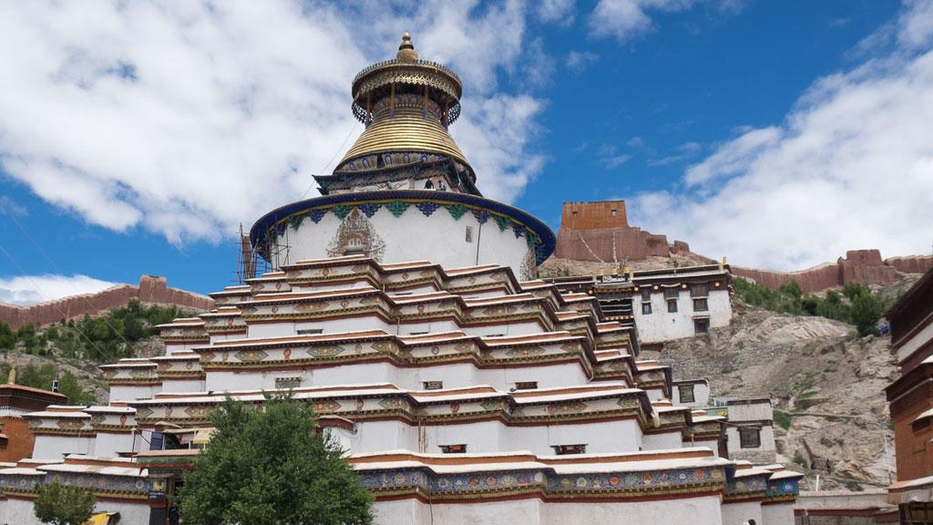 Kumbum-Chörten im tibetischen Ort Gyantse