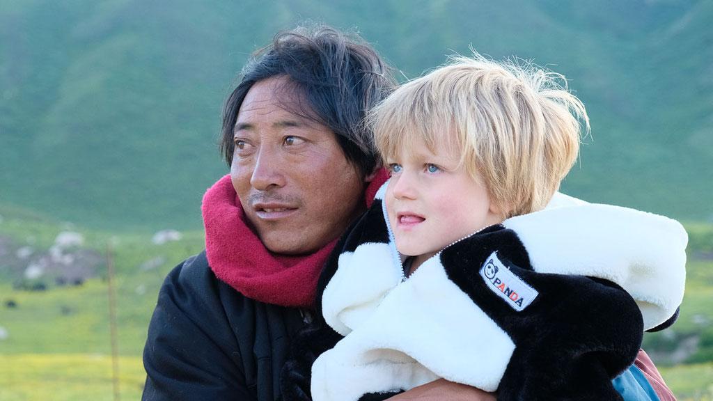 Nomade mit Flurin (4-jährig) in Amdo