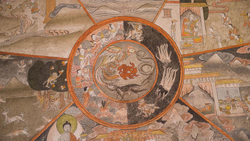 Lebensrad am Eingang eines bhutanesischen Klosters