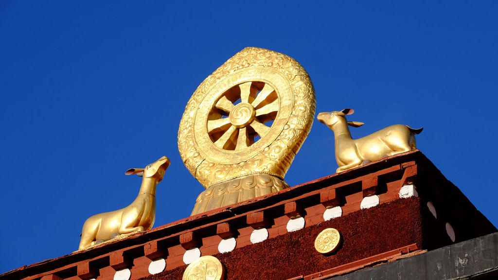 Rad der Weisheit auf dem Dach des Jokhang-Tempels in Lhasa