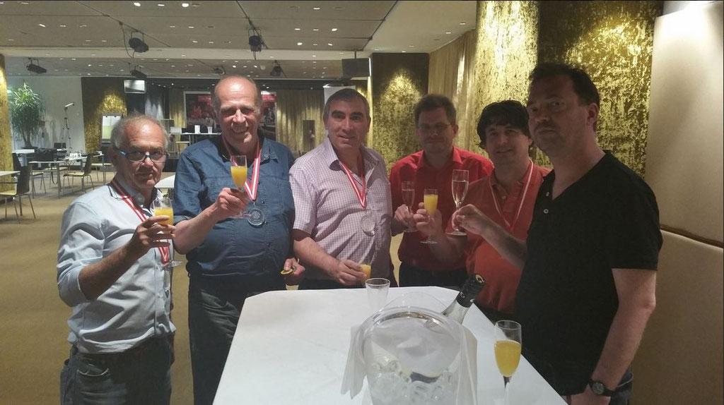 Die Sieger des Innsbruck Open 2015 (v.l.n.r.): Francesco Mauri (ITA - 3. Platz), Peter Blachian (2.), Platz Neculai Draganuta (ROM - 5.), Markus Klein, Sieger Leon Dorel (ROM) und Michael Urban (4.)
