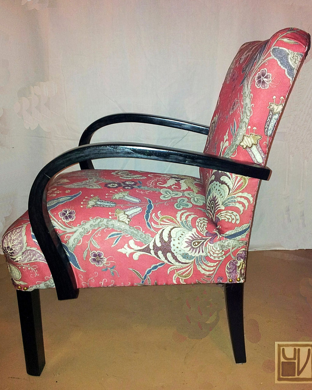 Fauteuil um 1930; Stoff WESLEY BARRELL GB