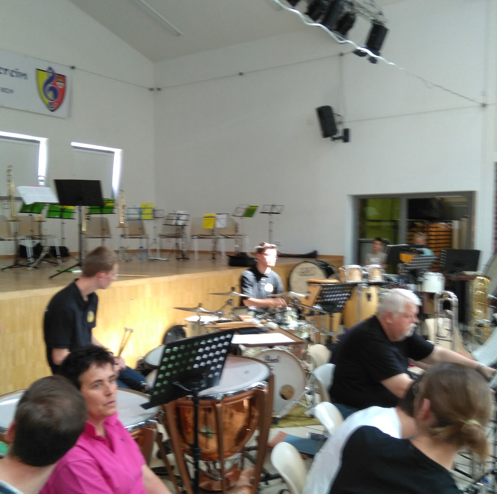 """Städtischer Musikverein Erkelenz - Till Schröder, Drum Set beim """"Best of"""" der Klassenvorspiele 2019 (Foto: Thomas Lindt)"""