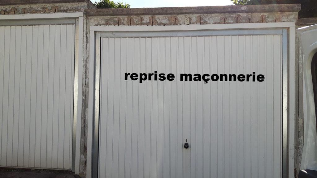 Réfection d'une porte de garage.