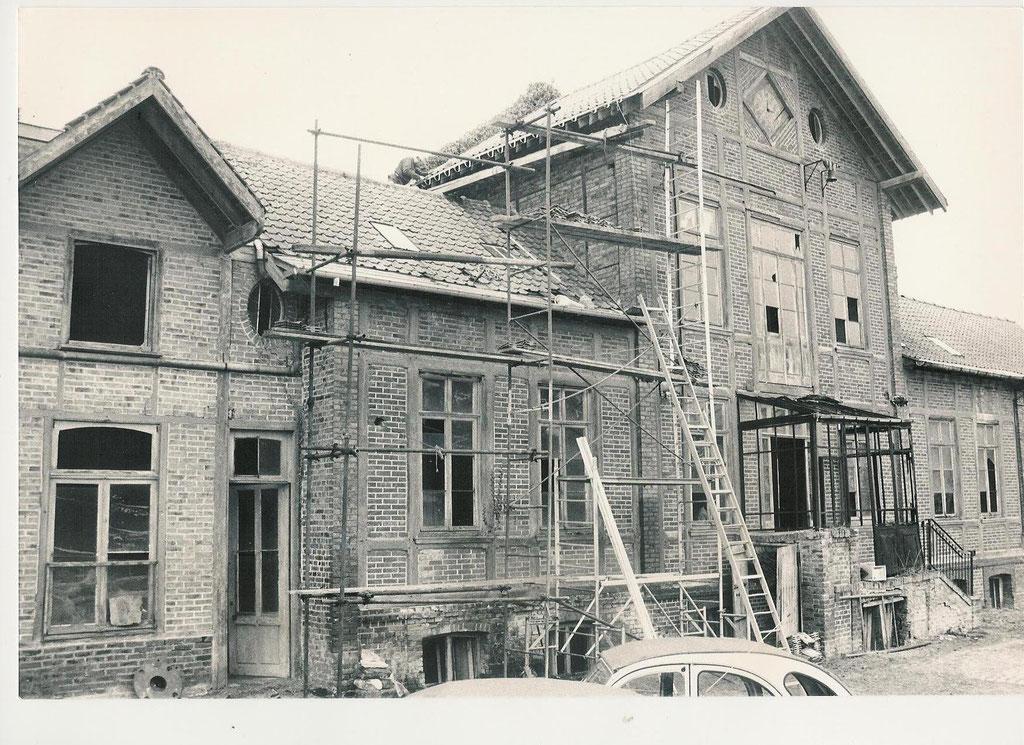 Ferme d'Antan, le bâtiment principal en 1986, début des travaux
