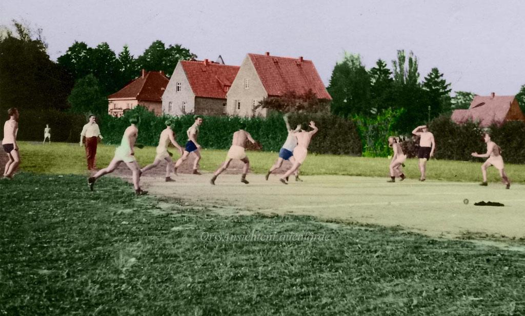 Handball 1948, im Hintergund die Würgasser Strasse.