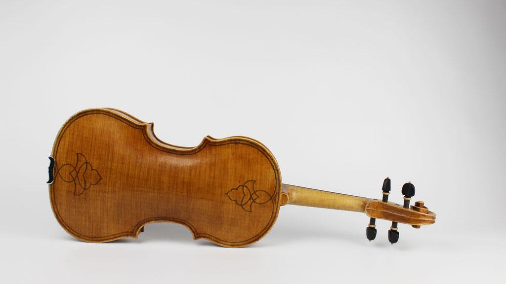Maggini Violine Brescia - ein moderner Nachbau aus einer kleinen Meister Werkstatt aus Deutschland - Wir sind spezialisiert auf den Neubau von Violinen Bratschen und Celli