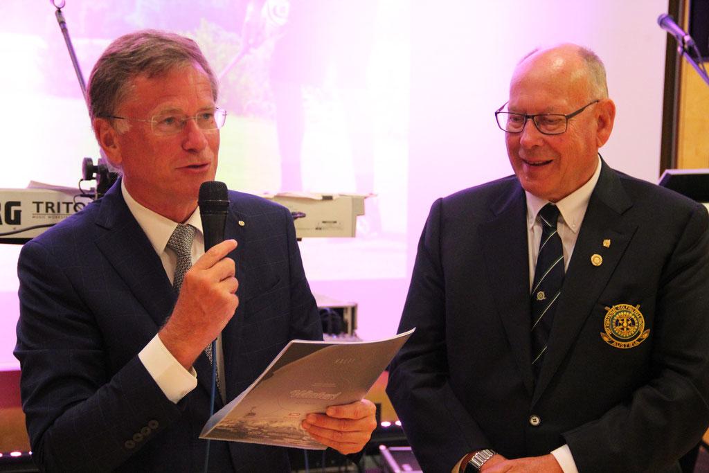 Org. Chef Pöttinger mit Gerhard Resch, Vertreter von Rotary Golf Austria