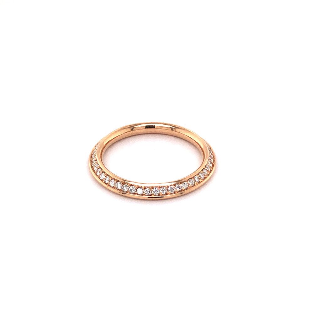 Memoryring aus 750 Rotgold mit Diamanten besetzt, 1.840 Euro