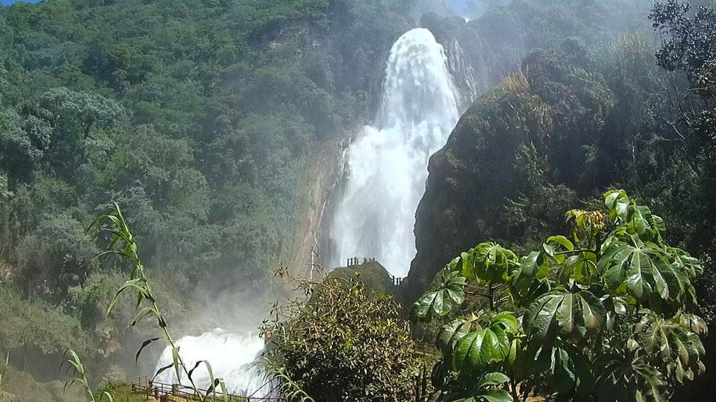 Cascada Velo de Novia über 120 Meter