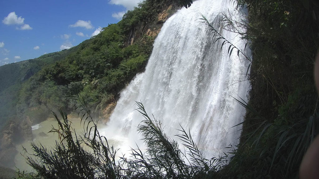 Cascada de Arcoiris über 53 Meter