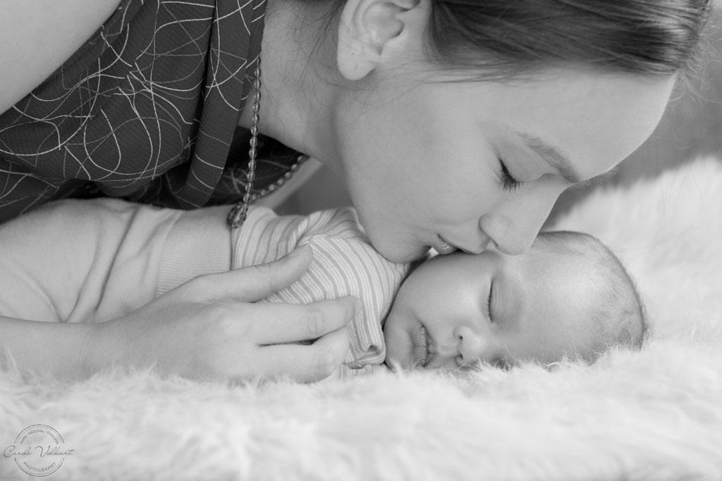 Lifestyle Neugeborenenfotografie | Baby Homeshooting