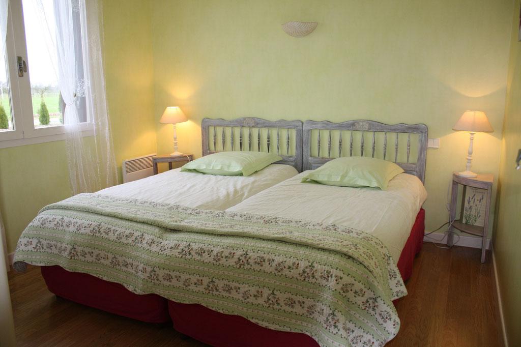 chambre anis 2 lits de 90