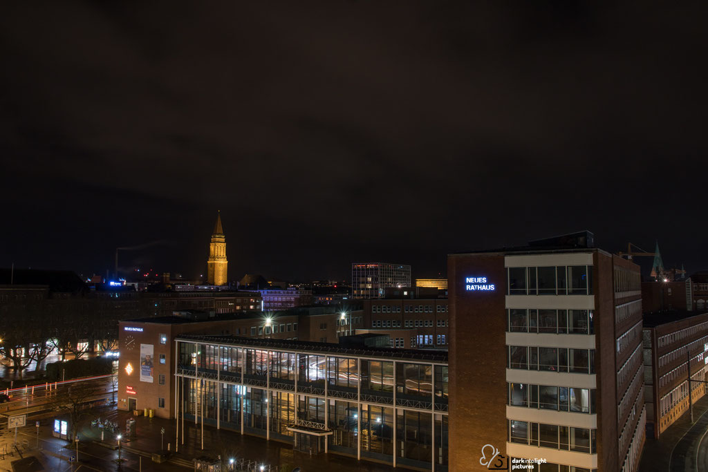Rathausturm Kiel bei Nacht