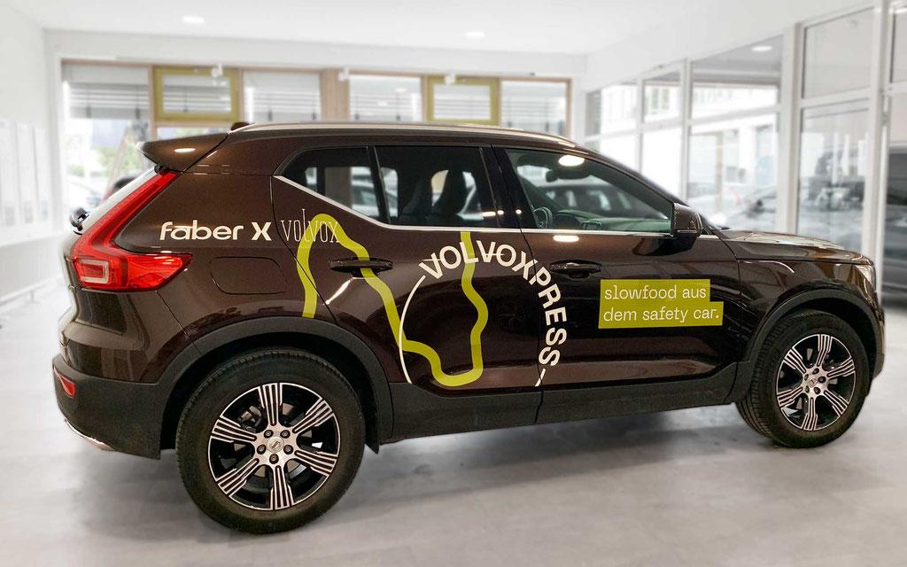 Autobeklebung bzw. Beschriftung eines Volvo XC40, Bereich Werbetechnik