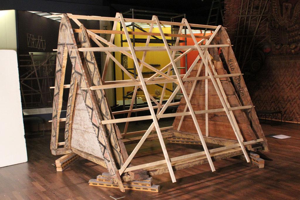 Abgeschlossener Aufbau der Dachkonstruktion | Ethnologisches Museum, SMB-SPK Berlin | Foto: A. Fehse, 2015