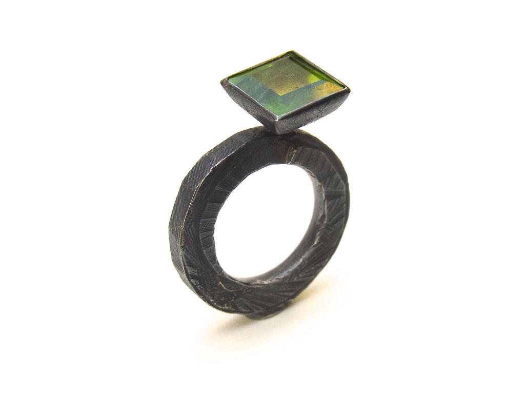 "Ring ""Fallstaff"" Silber/Peridot"