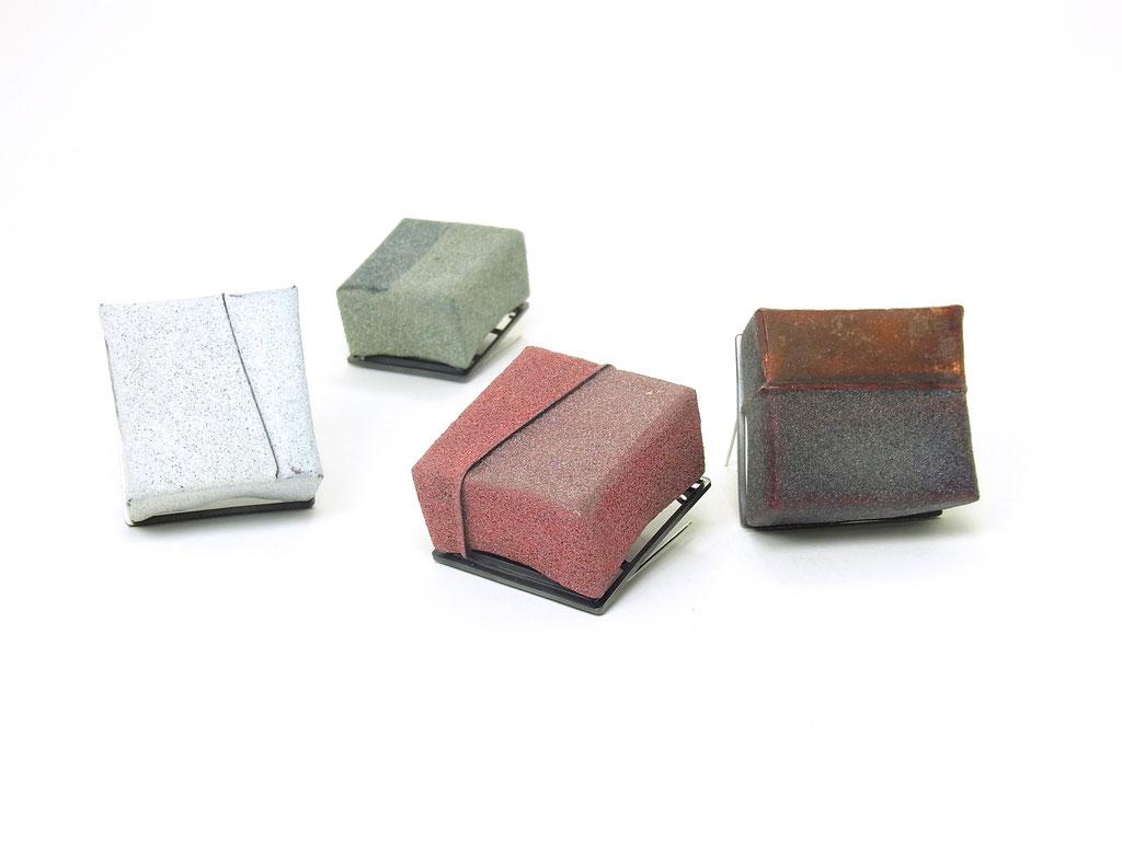 """Broschen Serie """"Lump"""" Emaille/Kupfer/Silber/Stahl"""