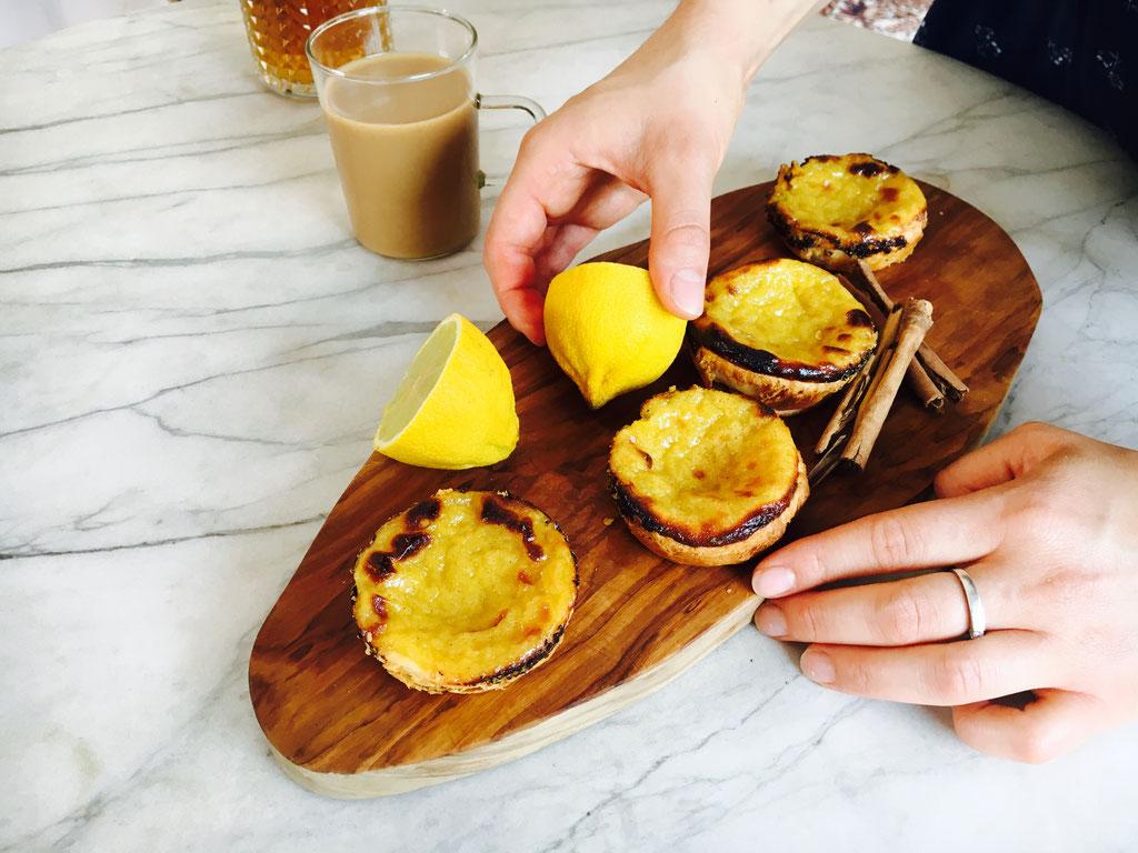 Pasteis de Nata. Ein cremiges und knuspriges Gebäck aus Portugal. Auch auf YoutTube! :)