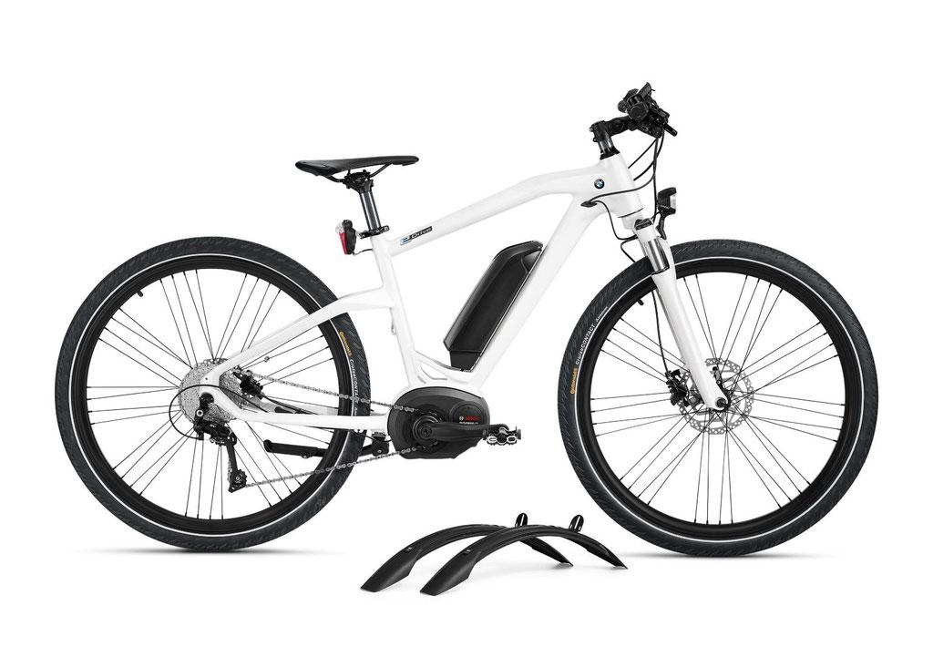 BMW e-Bike 2016 mit Schutzblechen