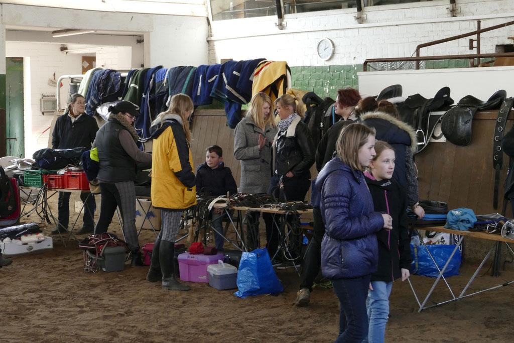 Flohmarkt im Reitstall am 04.04.2015