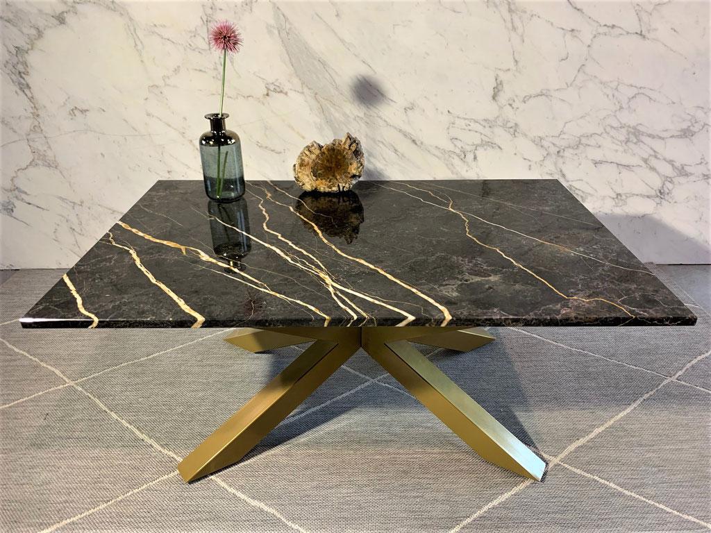 Port Laurent marble center table