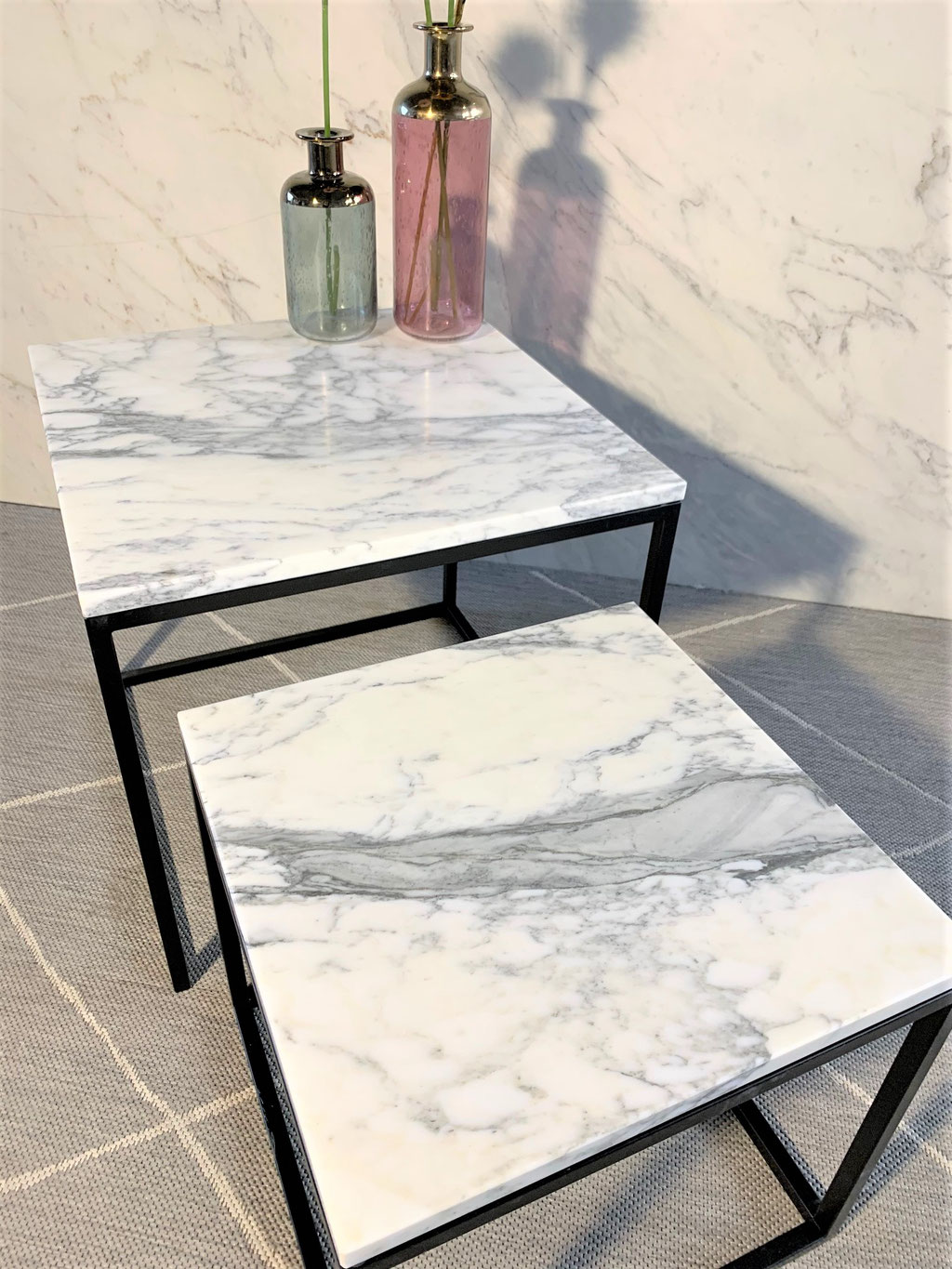 Side table set with Calacatta marble