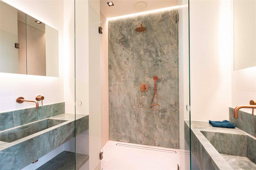 Emerald green luxury bathroom