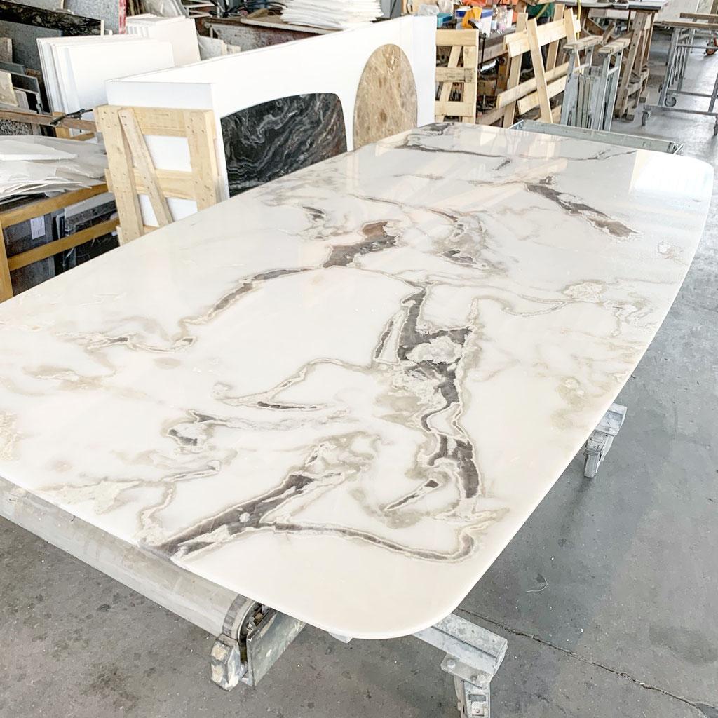 Productie van Dover White marmer tafel