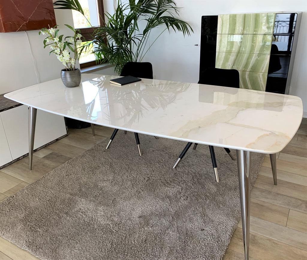 Exclusieve Riva tafel met Calacatta marmer