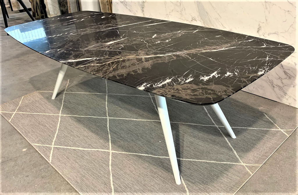 Café Mokka marble with white steel frame