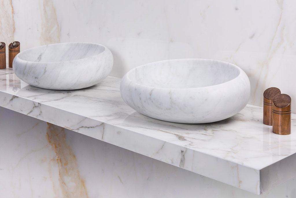 Carrara massive basins