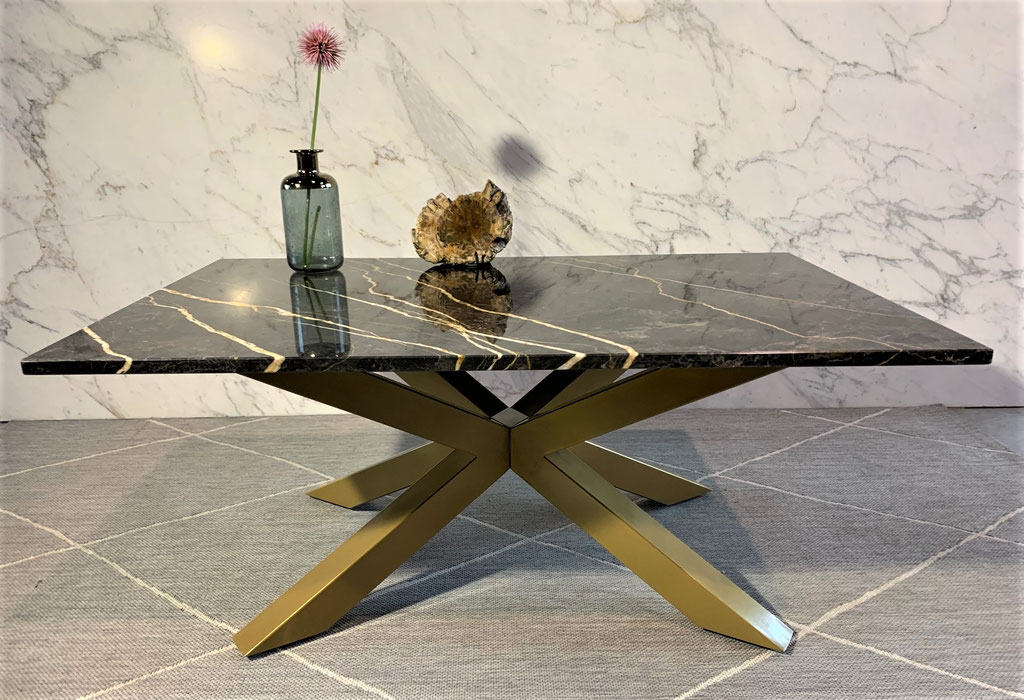 Port Laurent marble table