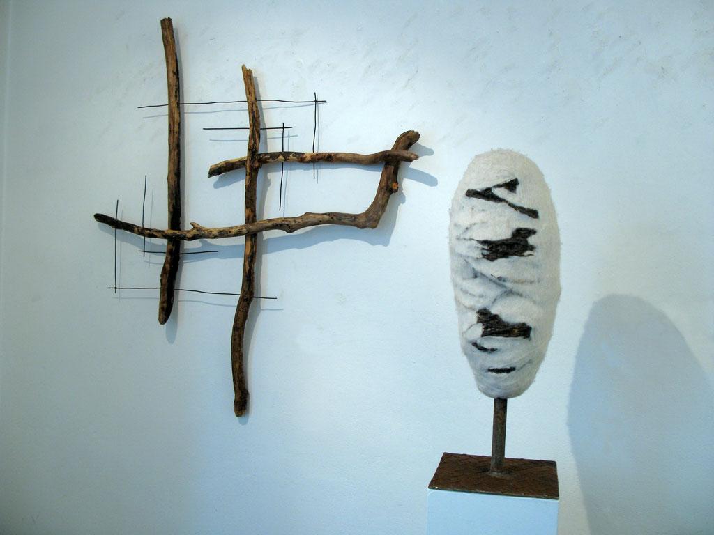 Cocoon, umfilzter Stacheldraht, Skulptur, Metall, Wolle, Kraftobjekte Wolfgang Wallner Hall in Tirol
