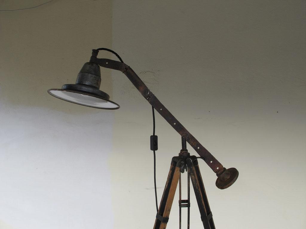 Lichtobjekt Tripot, Kraftobjekte Wolfgang Wallner Hall in Tirol