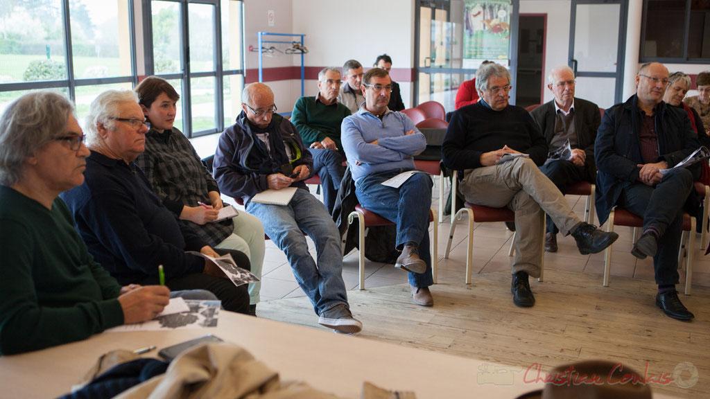 """Elus, citoyens, membres d'associations participent dans le cadre du """"2ème printemps citoyen en Créonnais"""" à une rencontre d'échange et de bilan"""