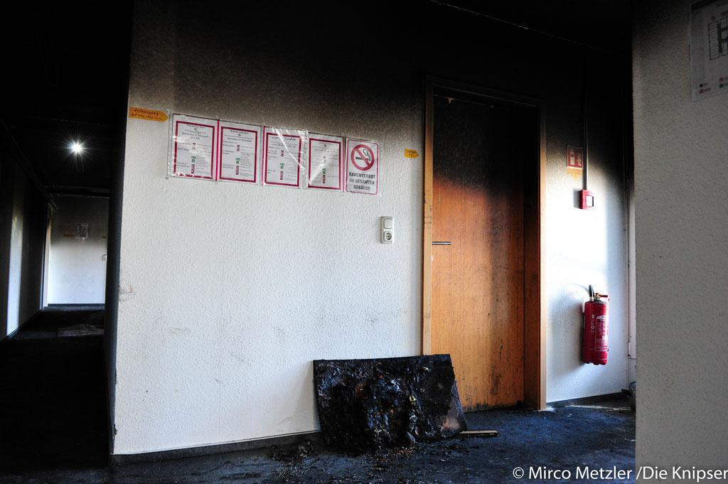 Im Printhaus waren etwa 50 Flüchtlinge untergebracht. Glücklicherweise wurde niemand verletzt. Als das Feuer ausbrach, hielt sich niemand im Haus auf.