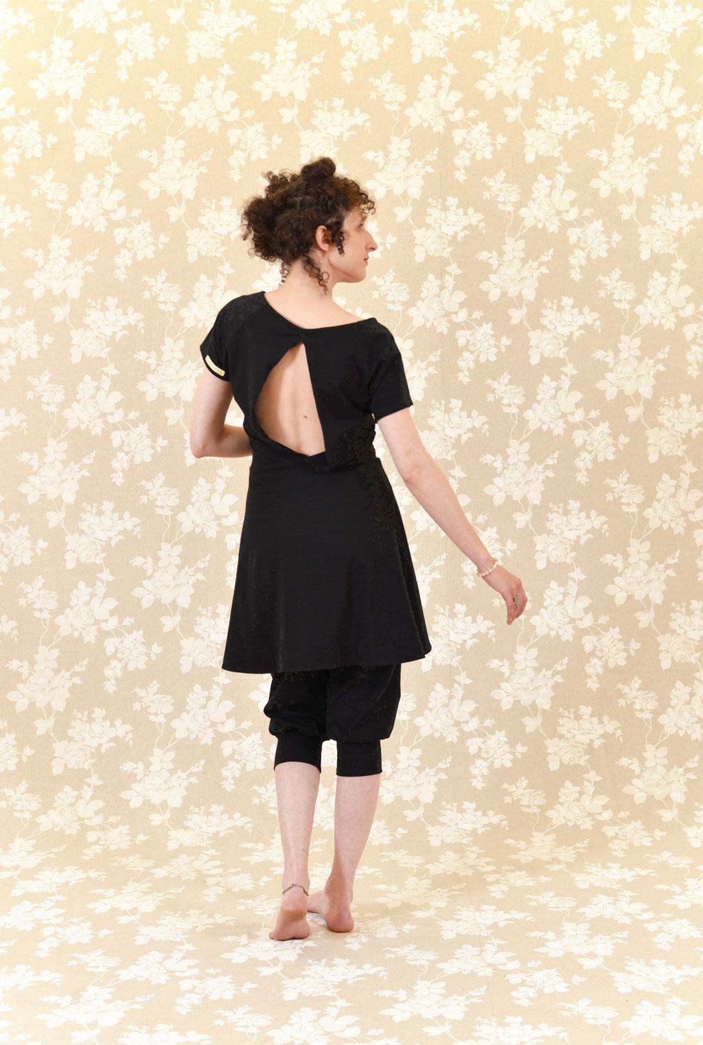 Kleid BIO-Leeloo und Hose BIO-Elani aus Baumwolle aus kontrolliert biologischem Anbau, Jersey