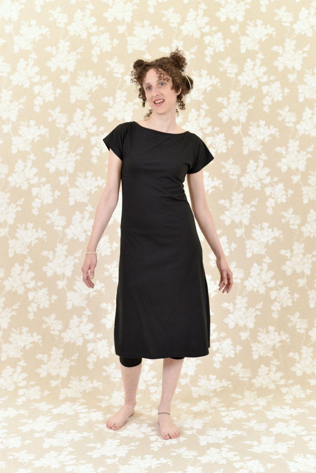 Kleid BIO-Alima und Hose BIO-Elani aus Baumwolle aus kontrolliert biologischem Anbau, Jersey