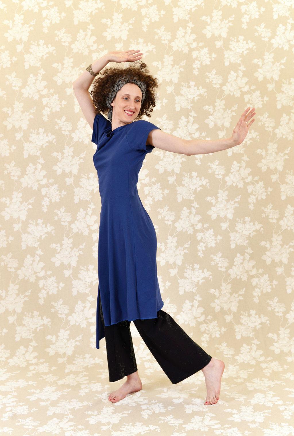Kleid BIO-Kimela und Hose BIO-Leora aus Baumwolle aus kontrolliert biologischem Anbau, Jersey