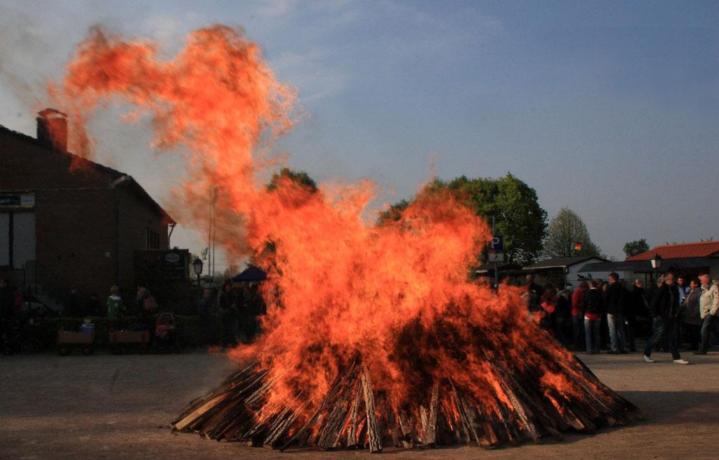 """Die lange Trockenlagerung macht das Gartenstadt-Osterfeuer zu einer """"sauberen Sache"""""""