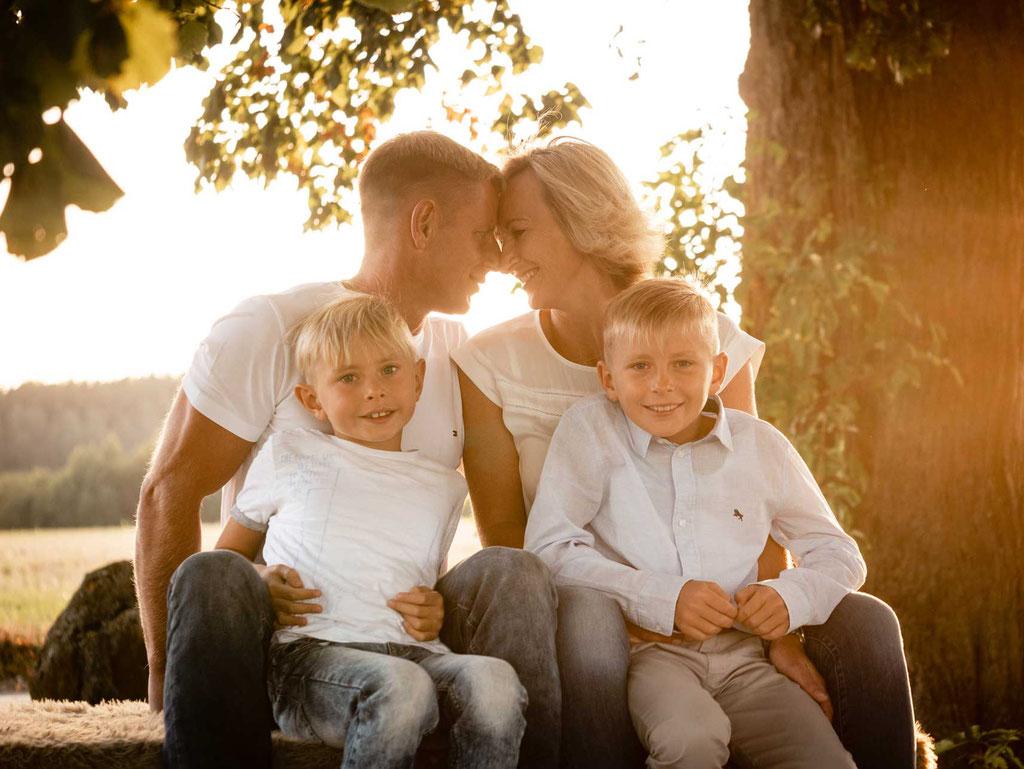 Annette Hofmann Fotografie-Familienfotografin-Pegnitz-fraenkische Schweiz-Portraitbilder-Premiumbilder-Familienfotos-Familienportrait