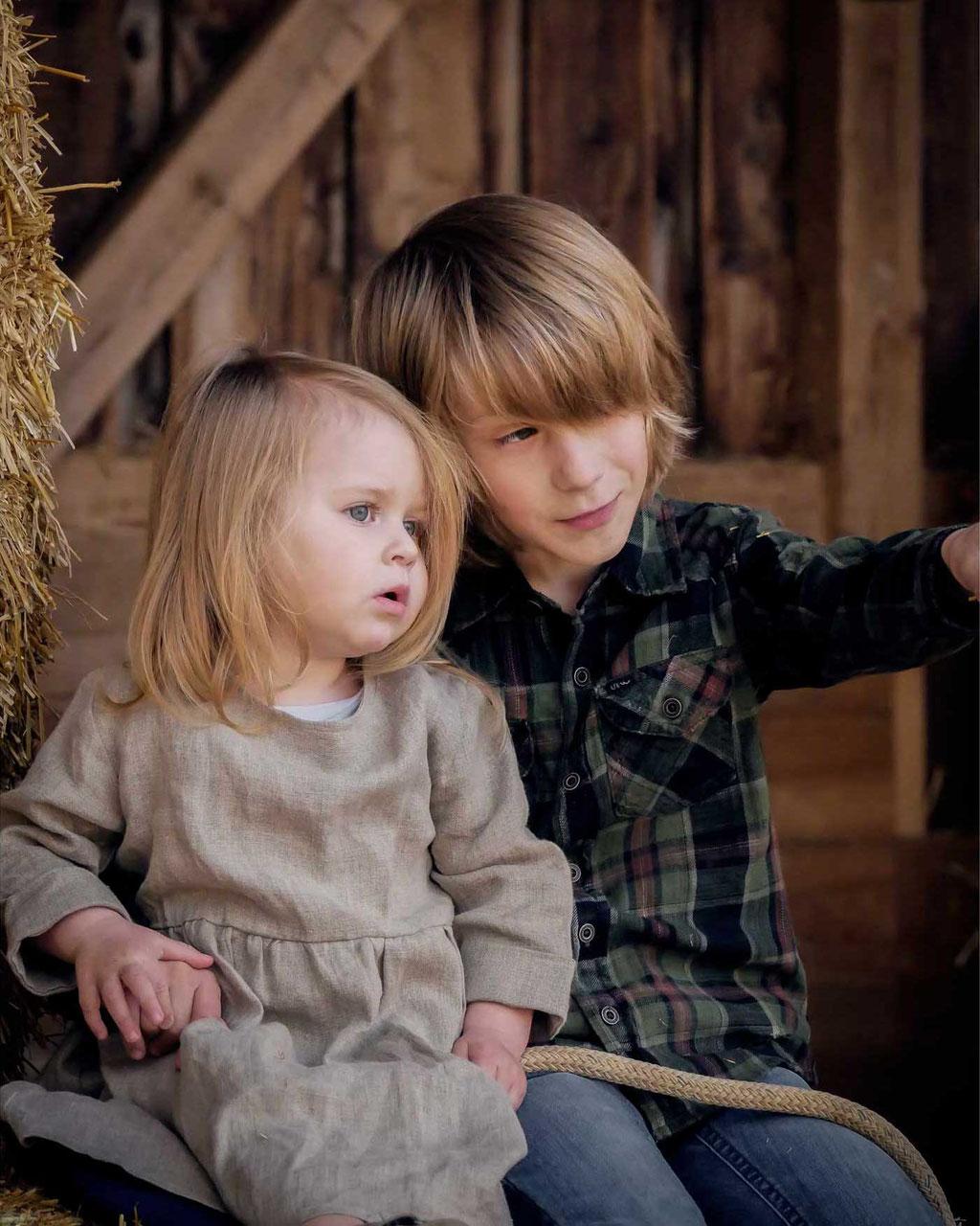 Annette Hofmann Fotografie-Familienfotografin-Pegnitz-fraenkische Schweiz-Portraitbilder-Premiumbilder-Familienfotos-Familienportrait-Geschwisterbild