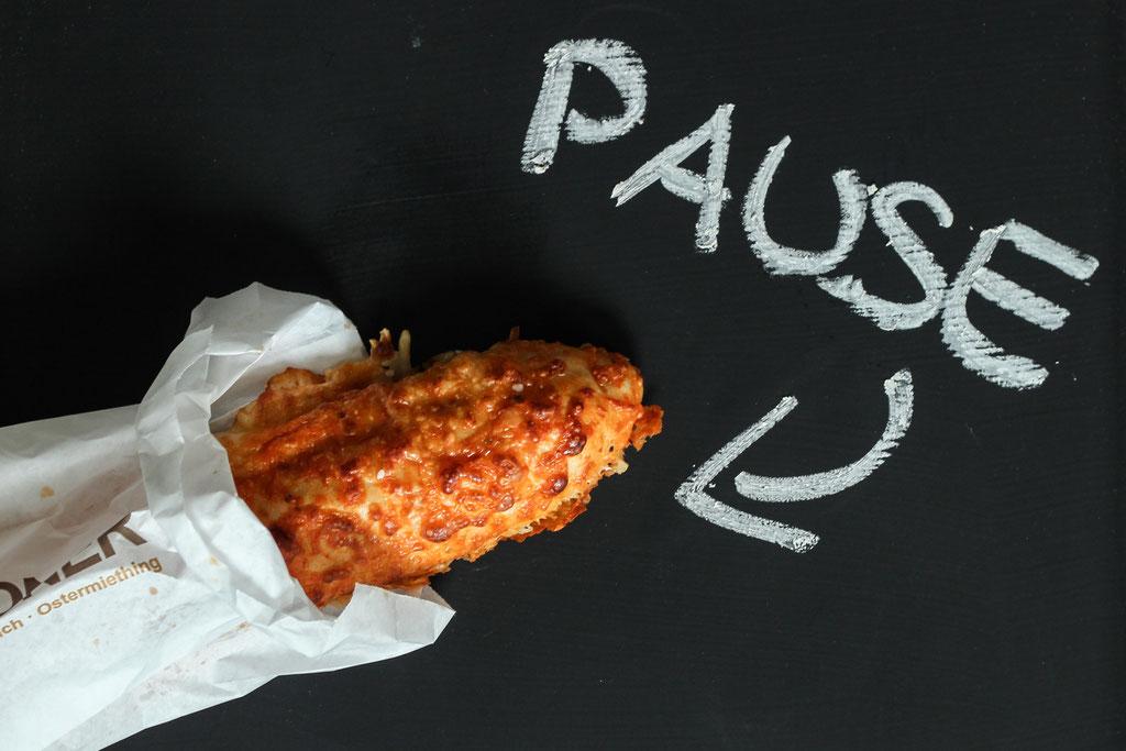Pizzastangerl, Pause