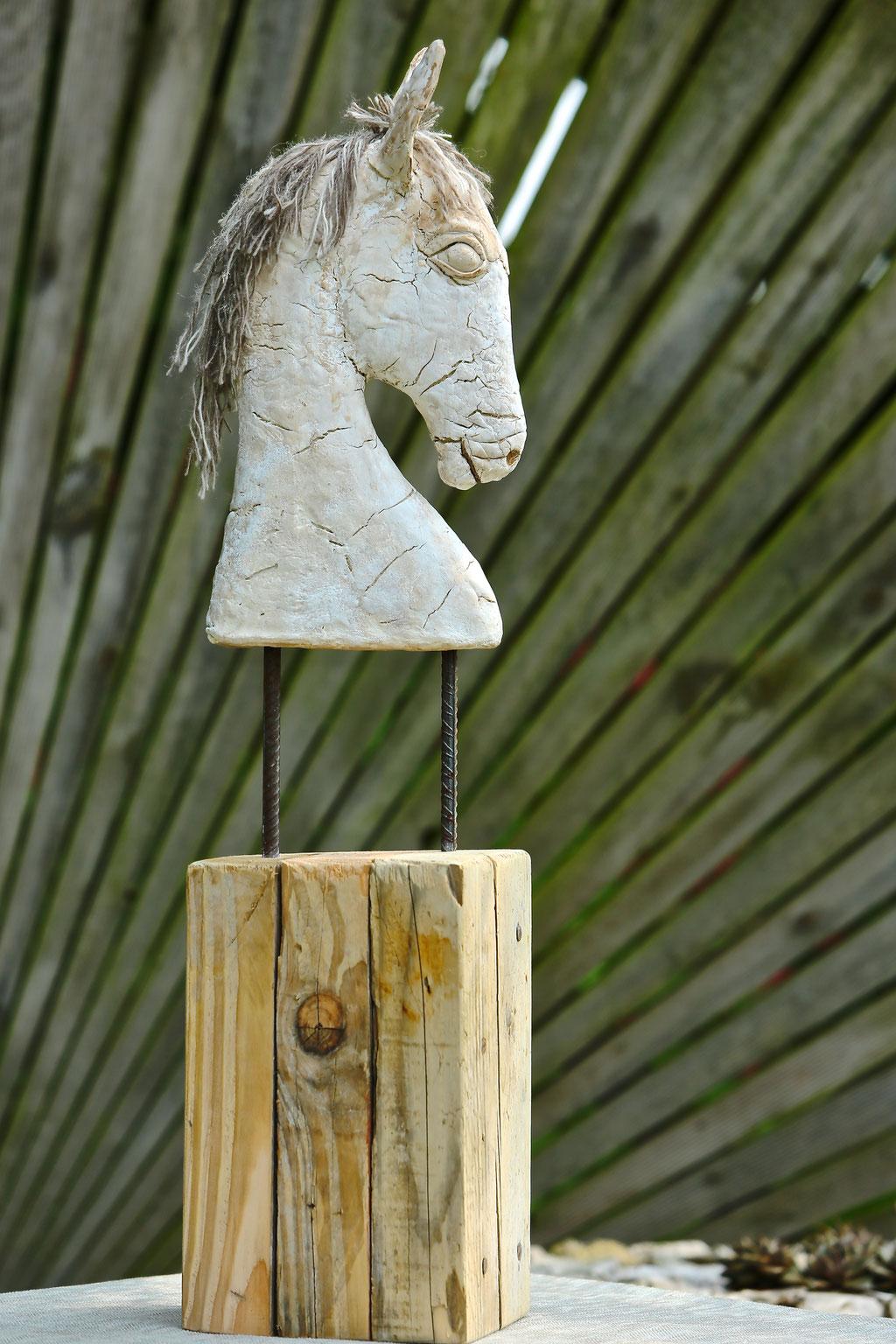 White horse - Powertex