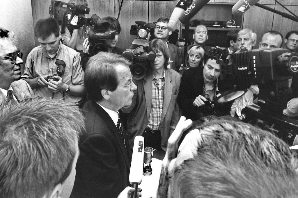 Minister Müntefering zieht in sein Berliner Büro ein