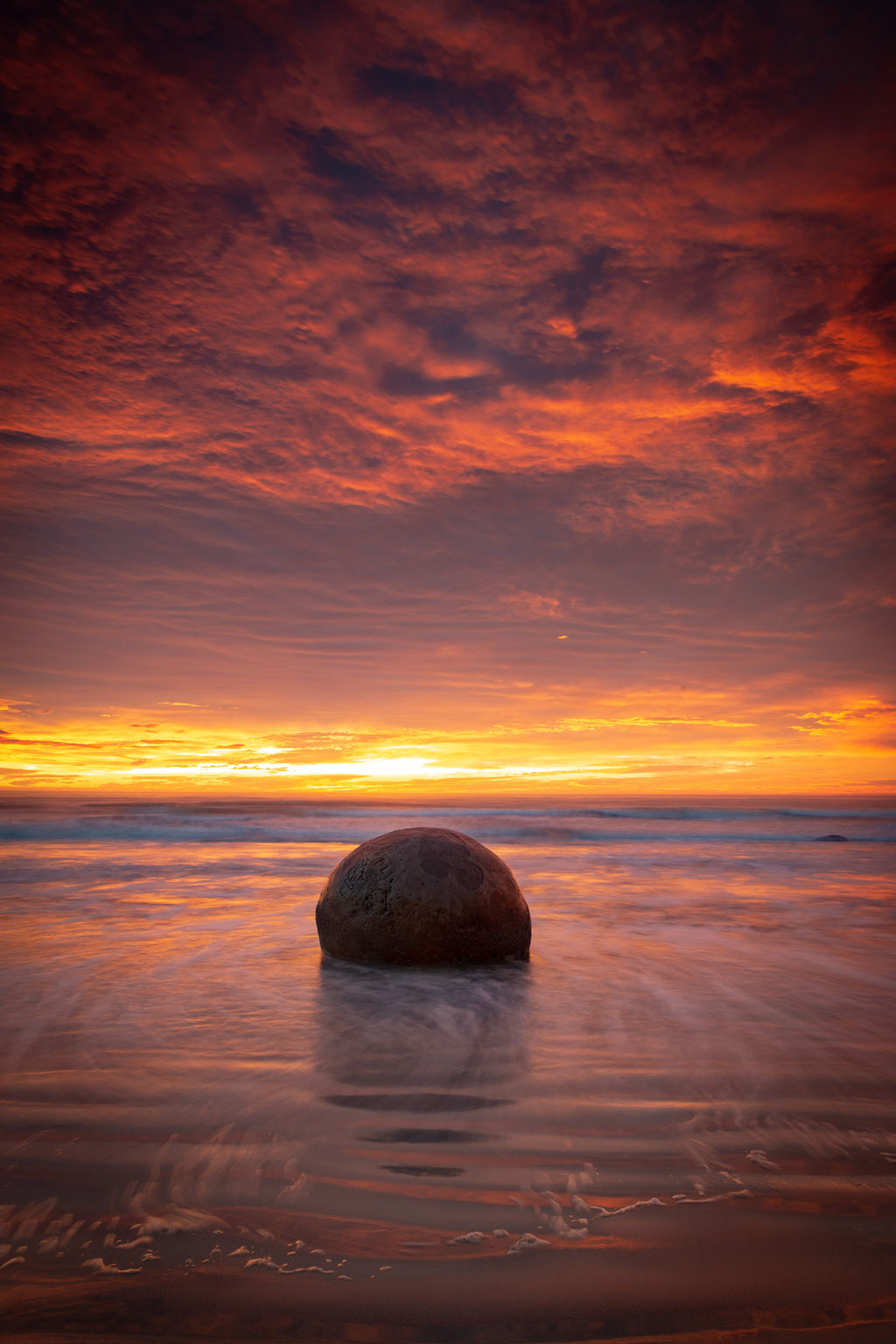 Moeraki Boulders at sunrise
